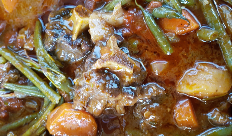 Chef Jaco's recipe for delicious rich oxtail casserole.